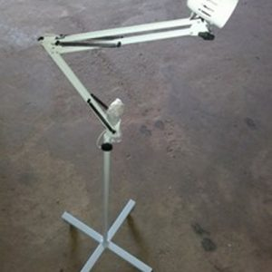 C010.001 Examination lamp with mobile stand